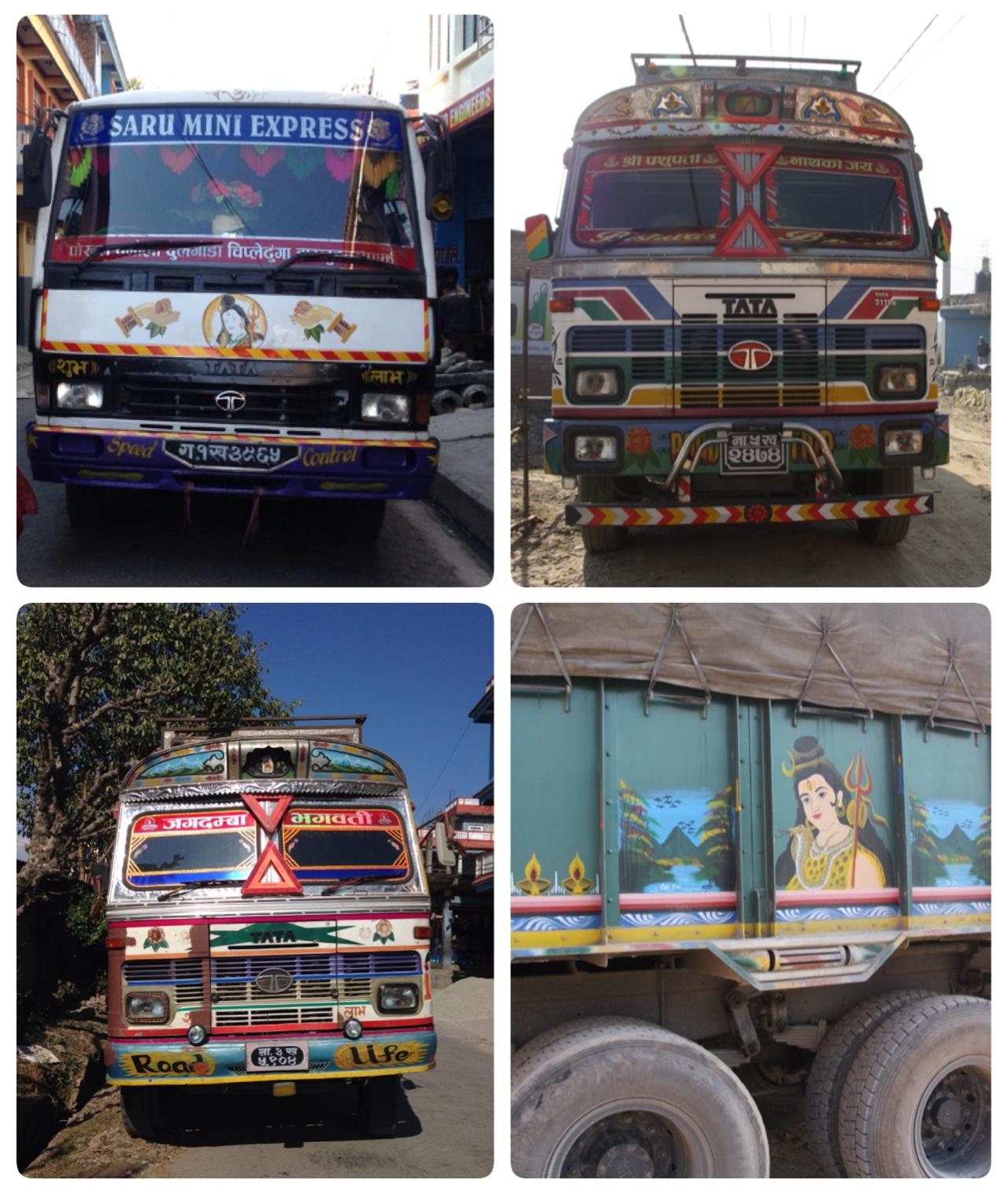nepáli színes buszok