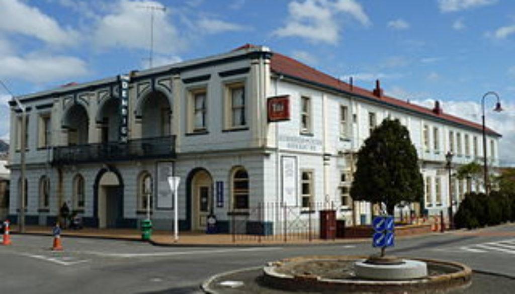 Denbigh_Hotel,_Feilding,_New_Zealand_27
